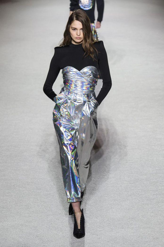 270488bf3248 Come abbinare il trucco agli abiti oro o argento 4 beauty look per ...