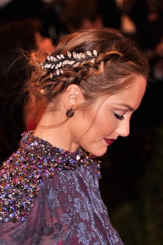 ClioMakeUp-accessori-capelli-capodanno-7-molletta-laterale-floreale.jpg