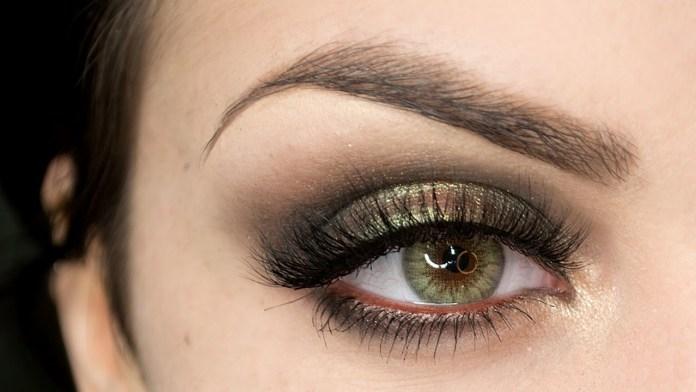 cliomakeup-smokey-eyes-feste-9-smokey-verde-oro