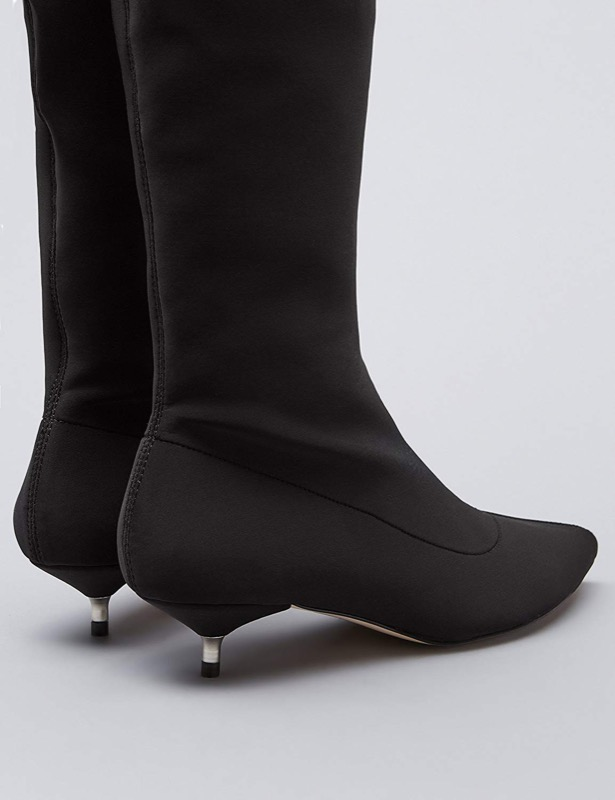 ClioMakeUp-stivali-sopra-ginocchio-9-close-up-tacco-piccolo.jpg