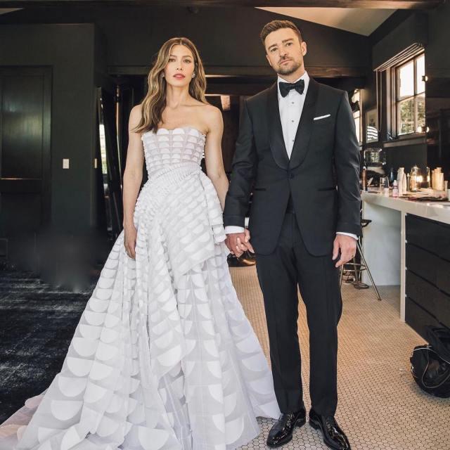 Look più belli del 2018 10 outfit tra abiti dallo stile bon ton e ... 3fab069985e