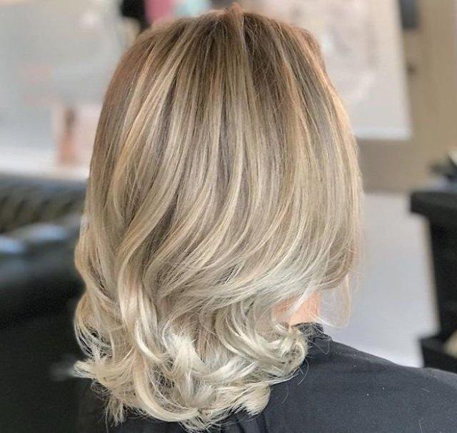 cliomakeup-tendenze-capelli-biondi-2019-1-biondo-cenere