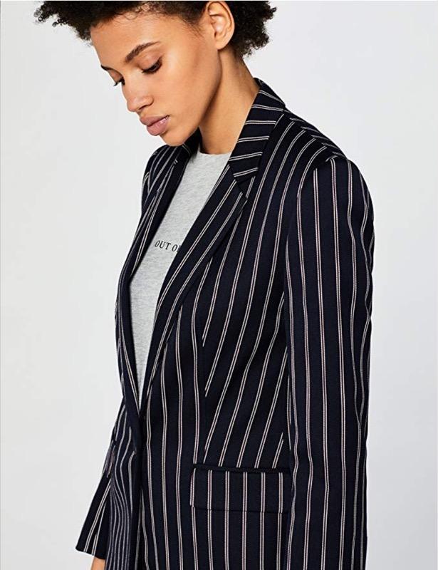 Copiare il look di Blake Lively. 4 outfit glamour e stilosi da provare! 1fd0cf8a3e0