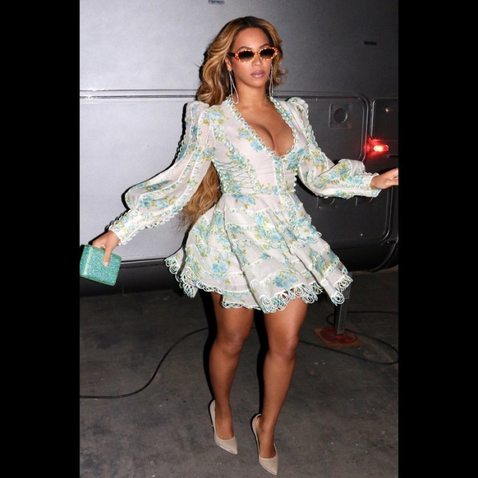 ClioMakeUp-copiare-look-beyonce-3-mini-dress-floreale.jpg