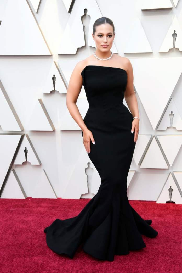 cliomakeup-look-oscar-2019-6-Ashley-Graham