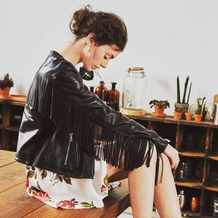 cliomakeup-vestiti-floreali-abbinamenti-2-giacca-frange