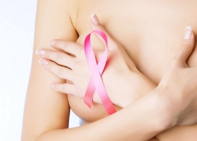 cliomakeup-benefici-allattamento-8-cancro-seno