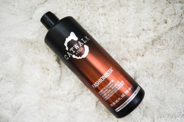 cliomakeup-tendenze-colore-capelli-5-TIGI-catwalk-shampoo-brunette