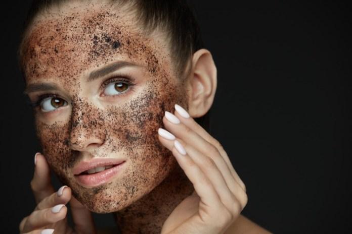 cliomakeup-skincare-serale-mamme-5-scrub-viso