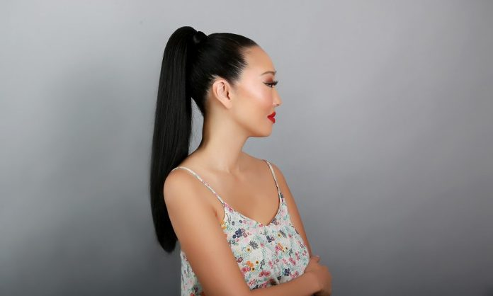 cliomakeup-come-trasformare-coda-3-Candace-Kita-High-Ponytail