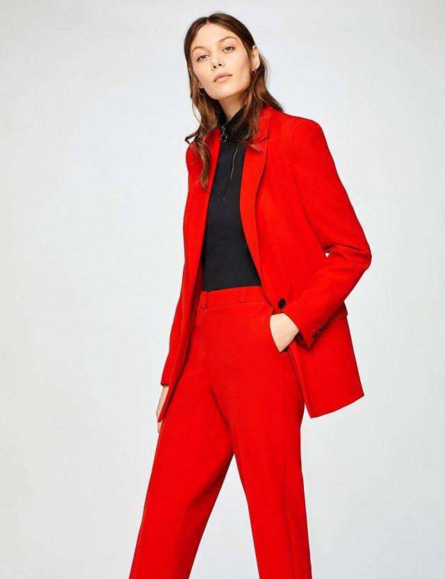 Cliomakeup-copiare-look-emma-roberts-24-blazer-rosso