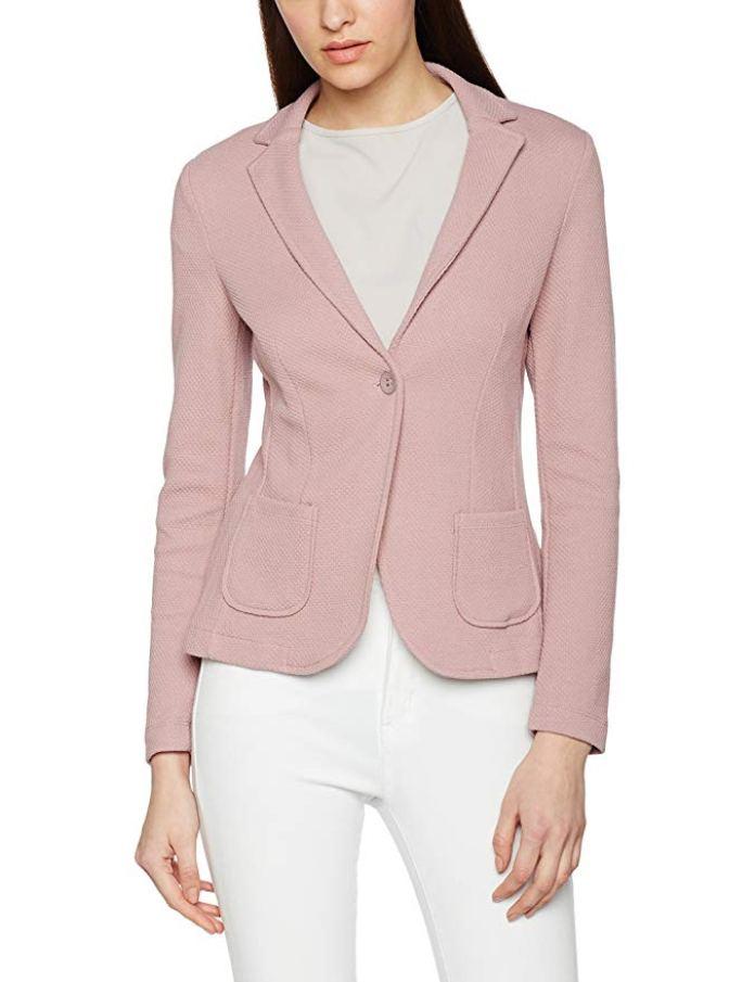 Cliomakeup-copiare-look-emilia-clarke-14-blazer-rosa