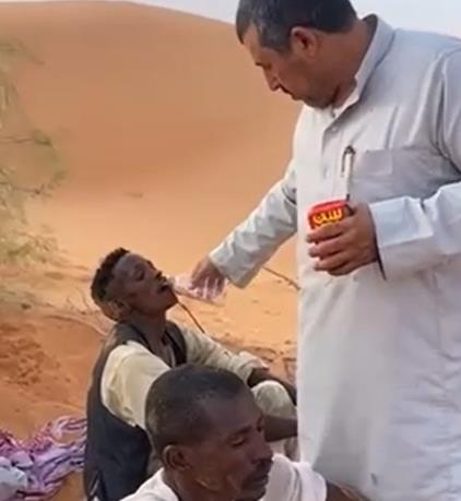 A citizen rescues expatriates