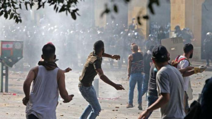 Lebanon: dead and injured as a result of two explosions and shooting during protests against an accident judge
