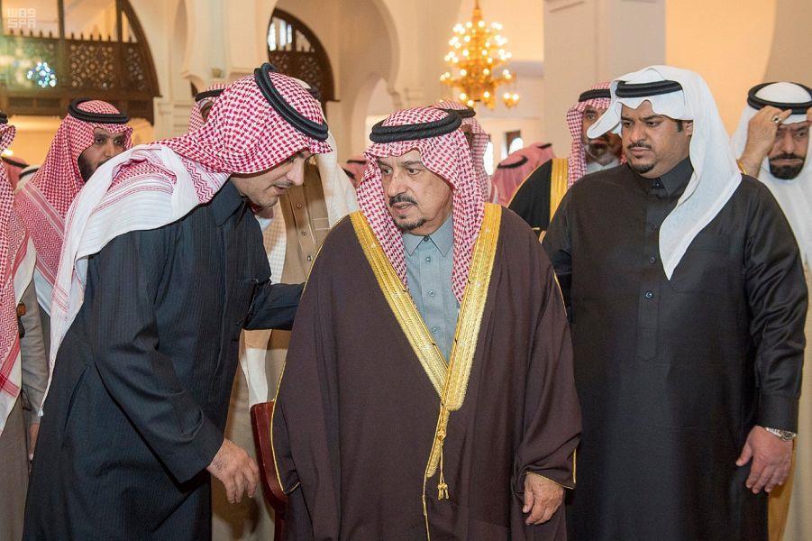 أخبار 24 أمير الرياض ونائبه يؤديان صلاة الميت على والدة الأمير