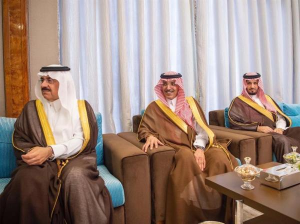 خادم الحرمين يستقبل ملك البحرين