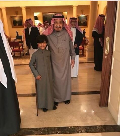 أخبار 24 صورة للملك سلمان داخل قصر شقيقته الأميرة الجوهرة بنت