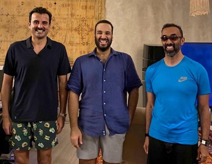 A friendly meeting between Prince Mohammed bin Salman, Sheikh Tamim and Sheikh Tahnoun