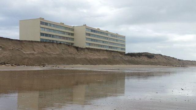 L'immeuble Le Signal à Soulac-sur-Mer, menacé par l'érosion dunaire.