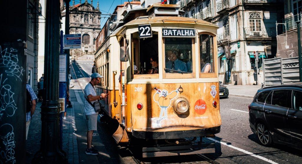 Ahorrar en tus vacaciones moviéndote en transporte público