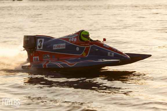 speed boats oulton broad-3694-copyright-Robert Foyers
