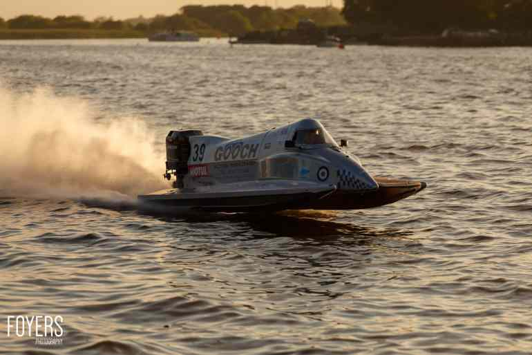 speed boats oulton broad-3741-copyright-Robert Foyers