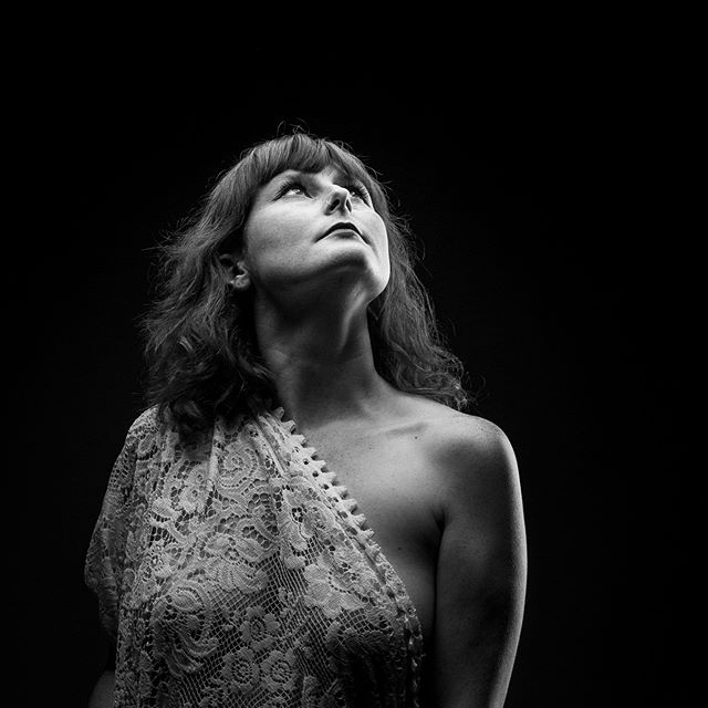 Thank you to the wonderful Louisa for allowing me to share some of the photos from a recent studio shoot @loopylou517 5