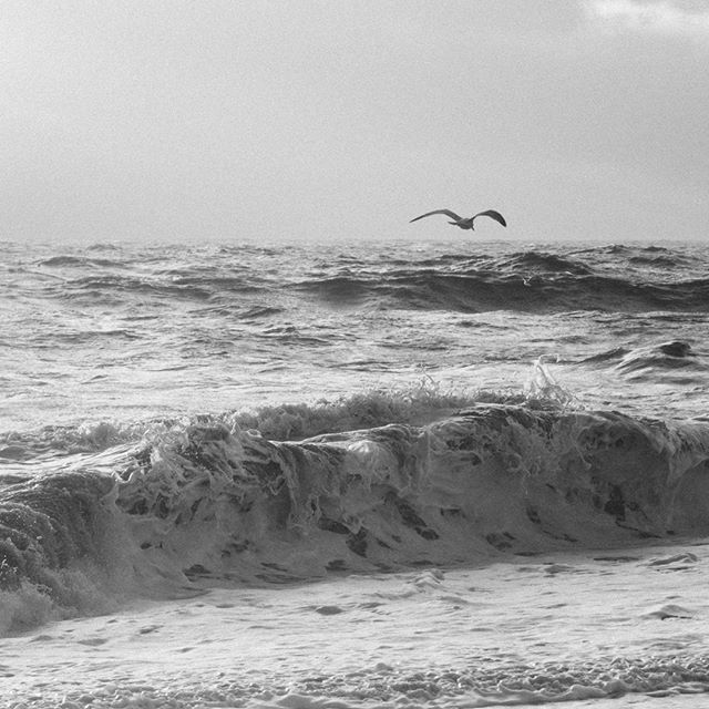 Waves crashing at Thorpeness