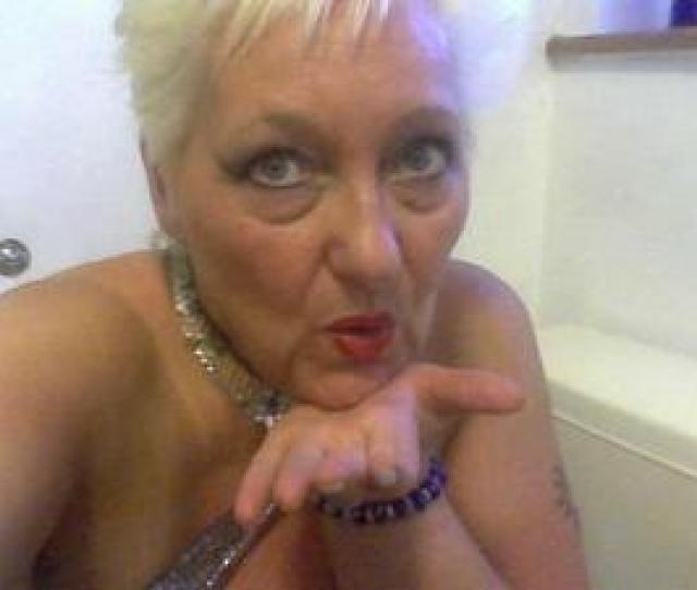 Mature Divorced Lady Looking For Frienship Relationship In Cramlington