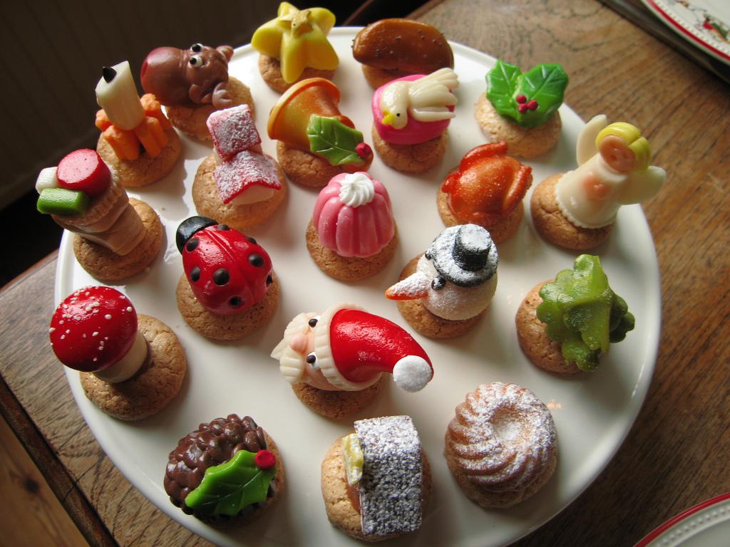 a l aperitif ou au dessert les recettes de petits fours ont toujours la cote