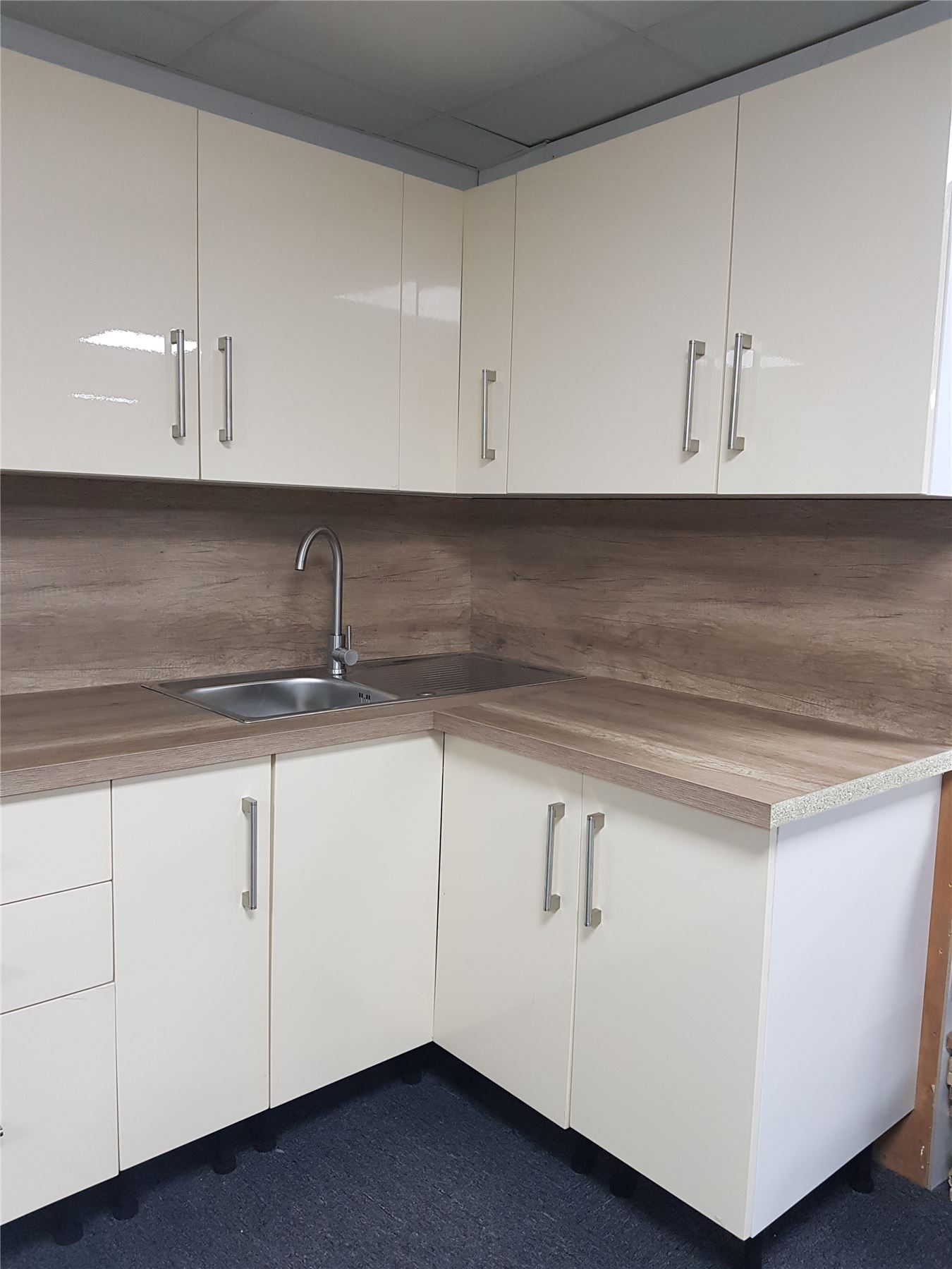 Cream High Gloss Kitchen Wall Base Units Carcass Cabinet Set Soft Close Doors Ebay