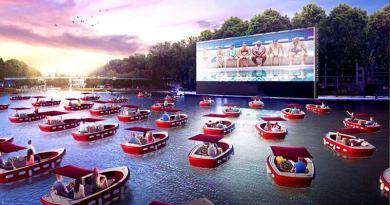 Новый плавучий кинотеатр Парижа с социально удаленными лодками делает волны