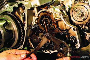 Honda CB750K2 overhaul
