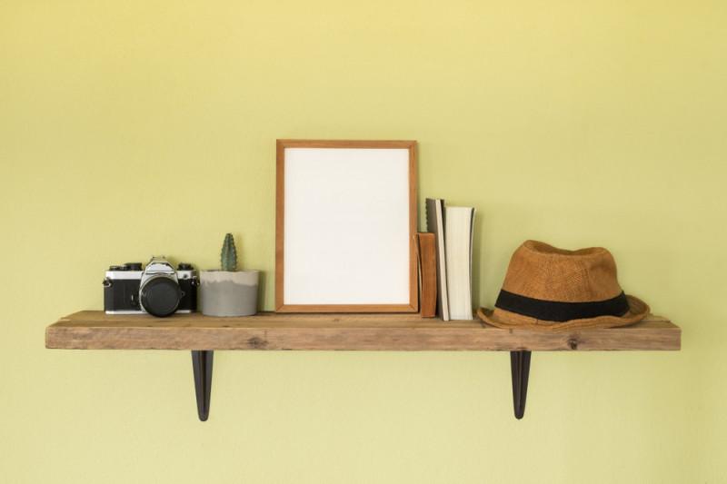 Proprio come per gli interni di una casa, assicurati di mescolare le texture quando decori una mensola. Come Montare Delle Mensole Senza Fare Fori Fai Da Te Mania