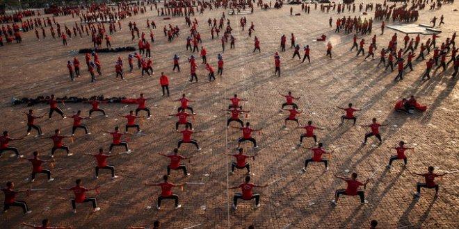 """L'argent, les femmes et le Kung-Fu : Le moine """"CEO"""" de Shaolin est dans la tourmente"""