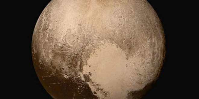 Pluton, une cométo-planéto-naine ?