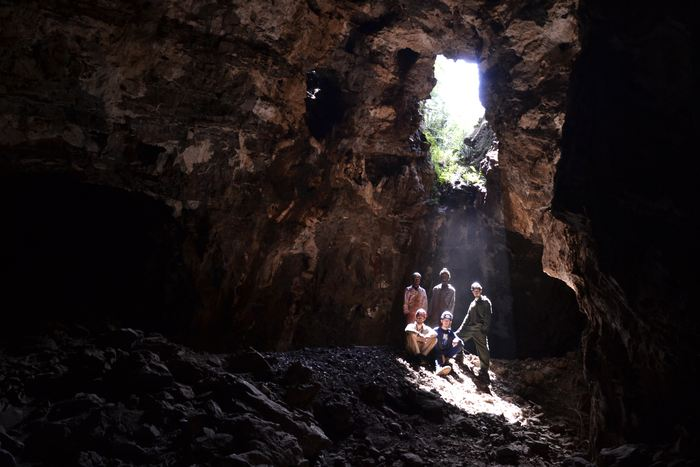 Les explorateurs dans les Grottes de Rising Star - Crédit : Wits University/Marina Elliott