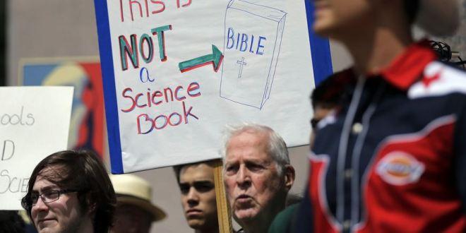 Pourquoi le créationnisme persiste-t-il encore dans les écoles publiques ?