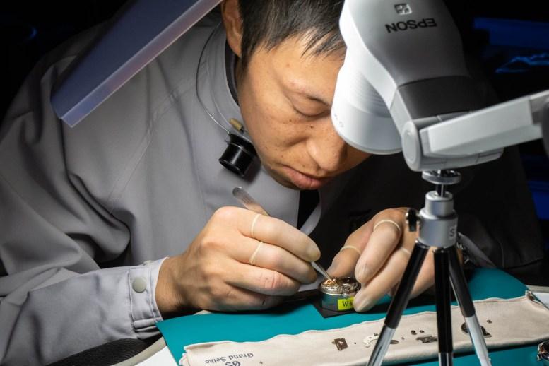 Takuya Nishinaka i arbeid.