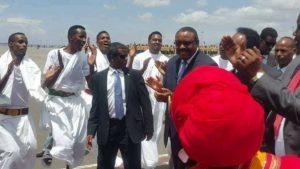 Yaa Madaxweyne Farmaajo kusoo dhaweeyay Garoonka Addis-Ababa?
