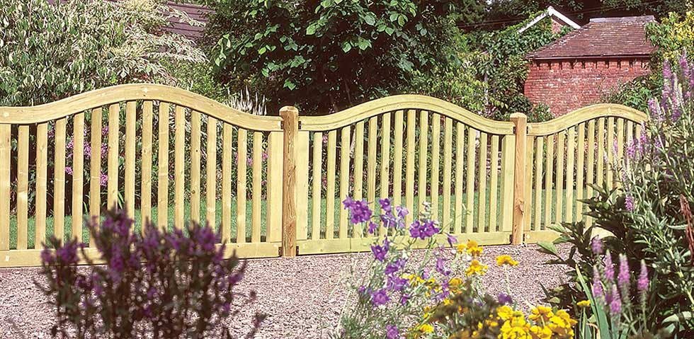 Garden Fencing For Period Homes