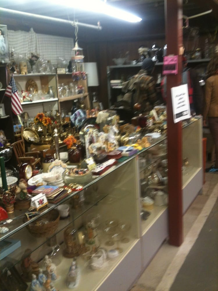 Kiwanis Thrift Sale 21 Reviews Thrift Stores 200 S