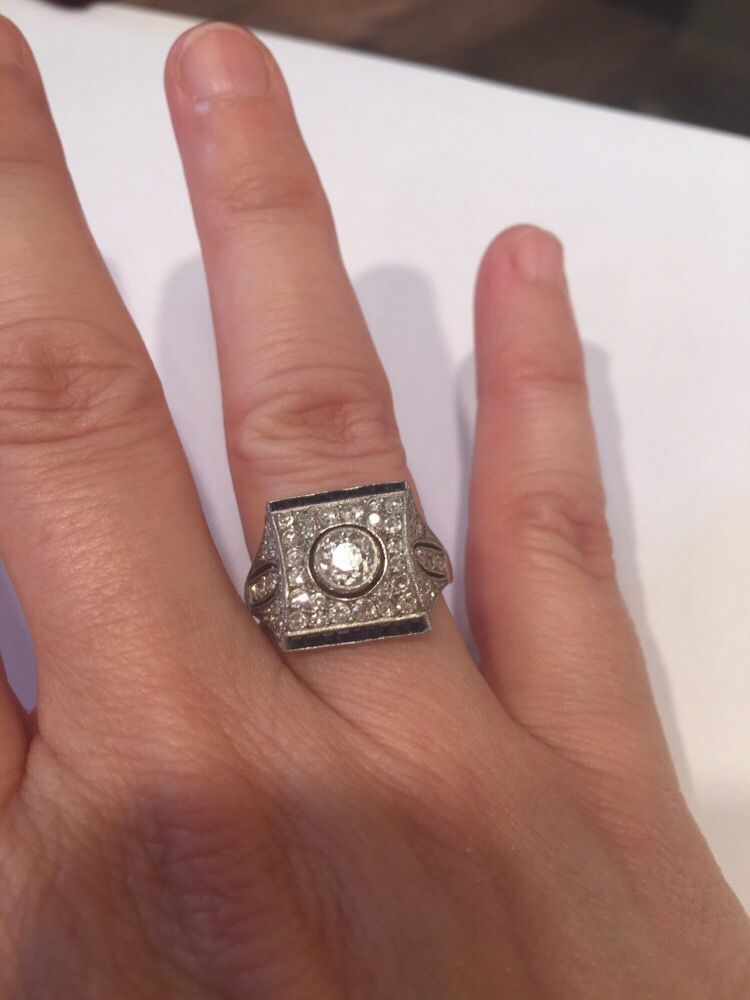 Binenbaum Antiques & Jewelry