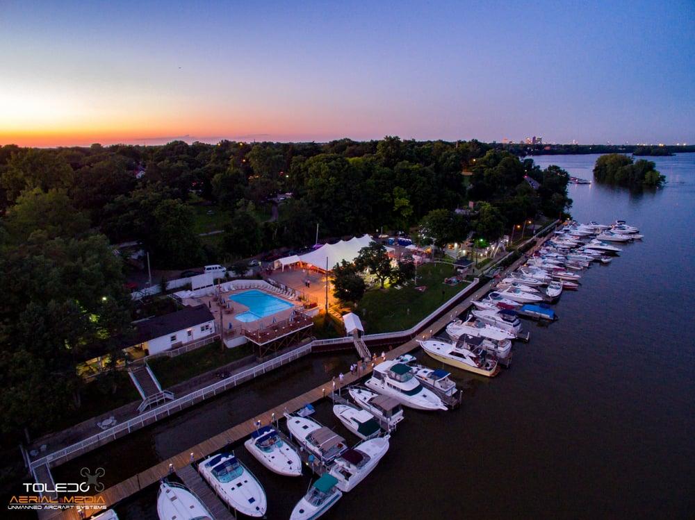 Maumee River Yacht Club 17 Photos Social Clubs 2735