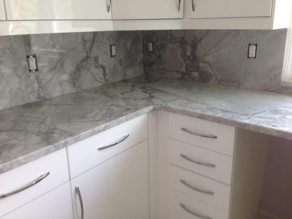 Super White exotic kitchen granite countertops with full ... on Granite Countertops And Backsplash  id=57913