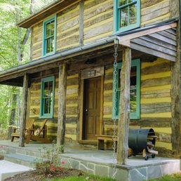 Bedford Cabin built by Spear Builders of Virginia in Spotsylvania, Virginia on the property at Stevenson Ridge.