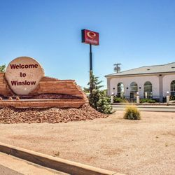 Econo Lodge - 19 Photos & 28 Reviews - Hotels - 2035 West ...
