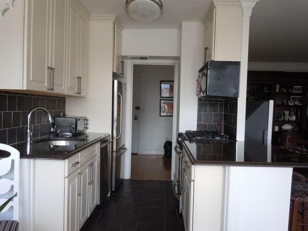 Black granite counter tops. Slate floors with slate ... on Backsplash With Black Granite  id=92195