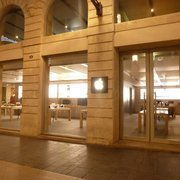 Apple Store   15 Photos   35 Reviews   Mobile Phones   2 4 rue     1er     tage Photo of Apple Store   Bordeaux