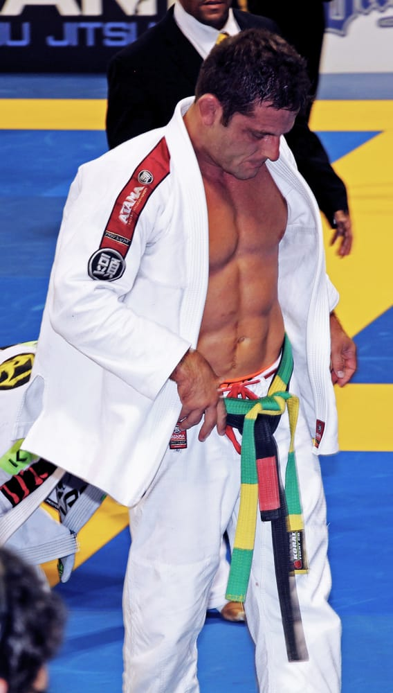 Our Professor, Bruno Antunes, is on the mats w/ all levels ...